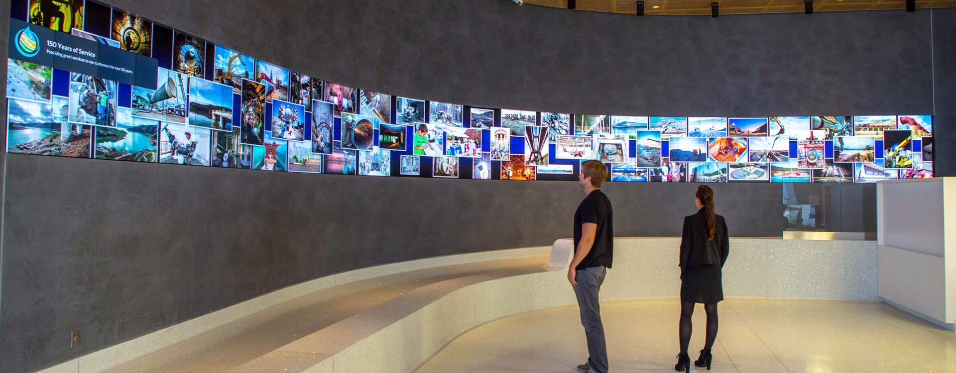 مشاوره ، طراحی و اجرای سيستم های نمایش تصویر ویدئو وال ( Video Wall ) جهت سالن های آمفی تئاتر ، کنفرانس ، مجتمع های تجاری و ...