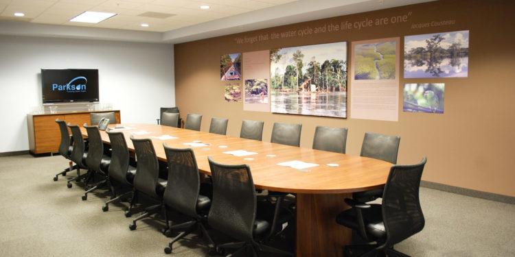 تجهیز سالن کنفرانس و جلسات